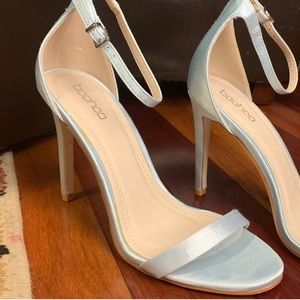 🔥Boohoo 🔥baby blue satin finish heels